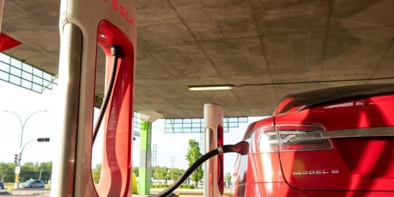 Tesla Model S und Model X mit kostenfreiem Supercharger Zugang