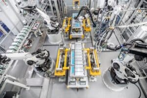 Blick in die Batterieproduktion am Webasto Standort Schierling, Landkreis Regensburg