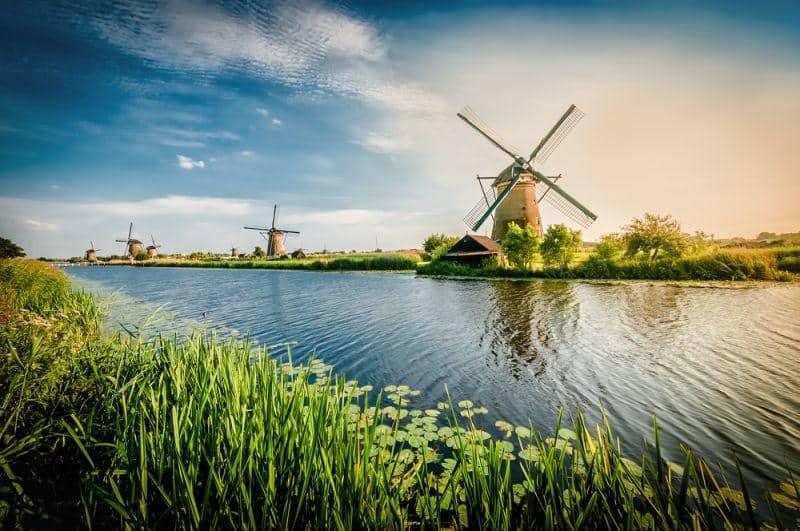 Holland setzt auf smarte Ladestationen