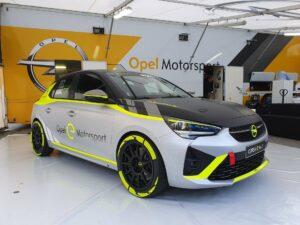 Blick auf den Opel Corsa e Rallye