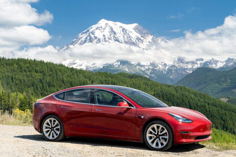 Tesla zieht es nach Kanda