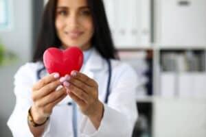 Aktuelle E-Autos keine Gefahr für Herzschrittmacher