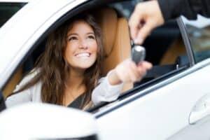 ADAC bringt E-Auto-Kredit an den Start