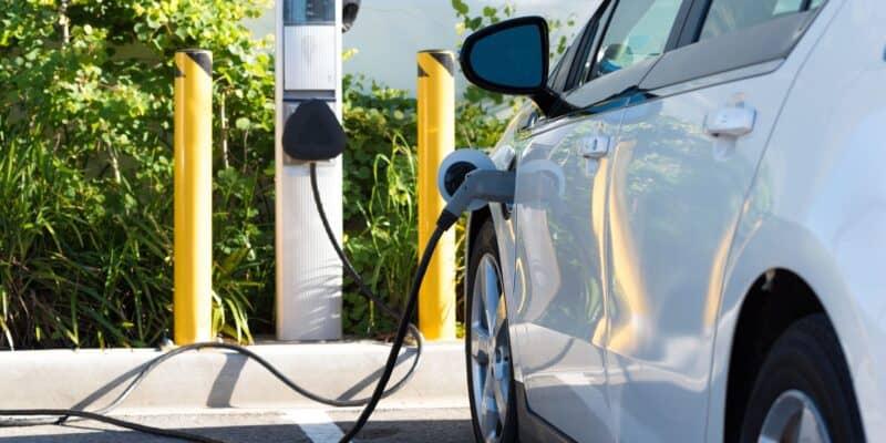 Batteriekosten sinken, E-Auto Preise nicht