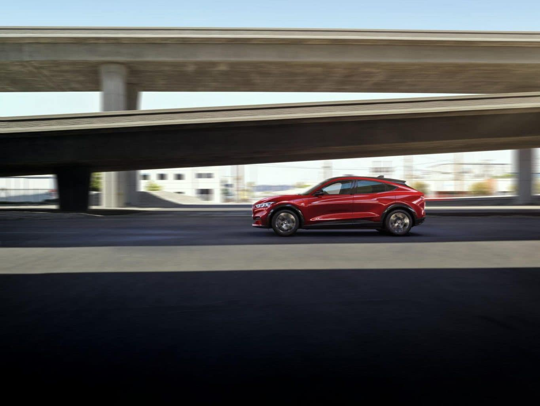 Ford Mustang Mach-E fahrend