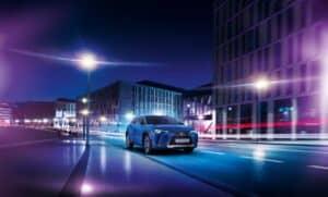 Lexus UX 300e feiert seine Weltpremiere