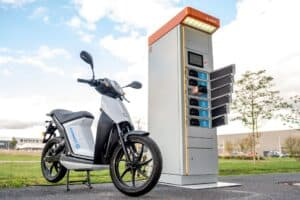 Swobbee wird Battery-as-a-Service-Partner von E-Roller-Produzent Torrot Electric