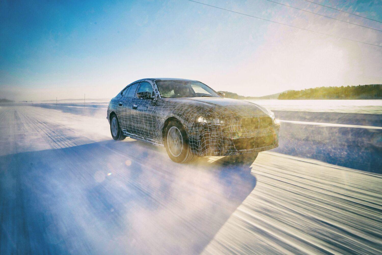 BMW zeigt den BMW i4 beim Wintererprobungstest