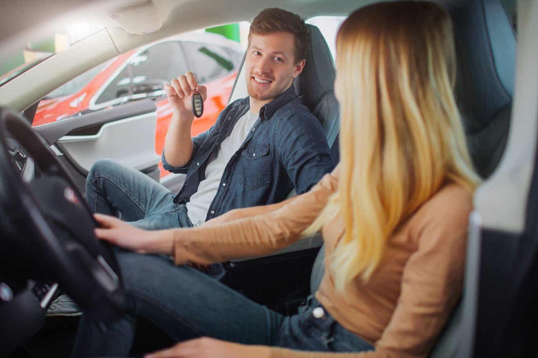 TÜV Rheinland und TWAICE bieten beim Weiterverkauf des E-Autos Unterstützung