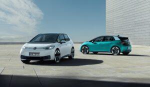VW hebt Prognose für Produktion von E-Autos in 2025 deutlich an