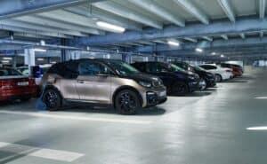 E.ON errichtet für BMW eines der größten betrieblichen Ladenetzwerke
