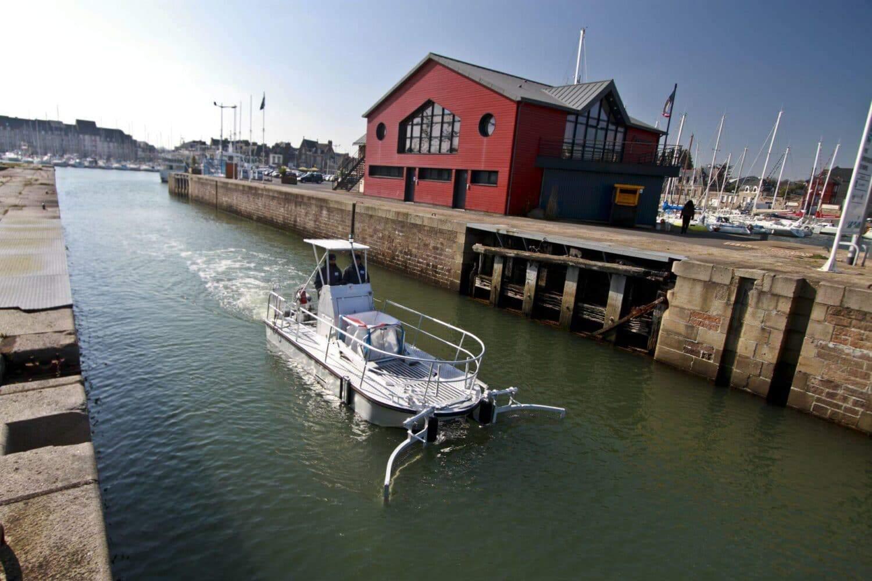 """""""The Waste Cleaner 66"""" reinigt vollelektrisch Häfen, Binnen- und Küstengewässern"""