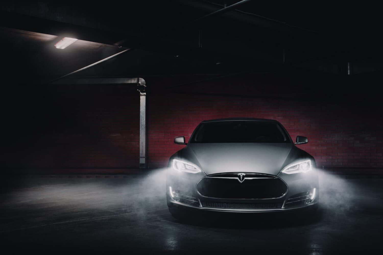 Tesla größter E-Auto-Hersteller weltweit