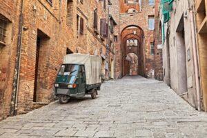 Piaggio Ape E-City zieht es nach Indien