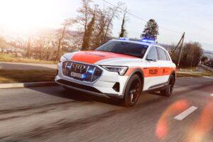 Schweizer Polizei setzt auf Audi e-tron und ist begeistert