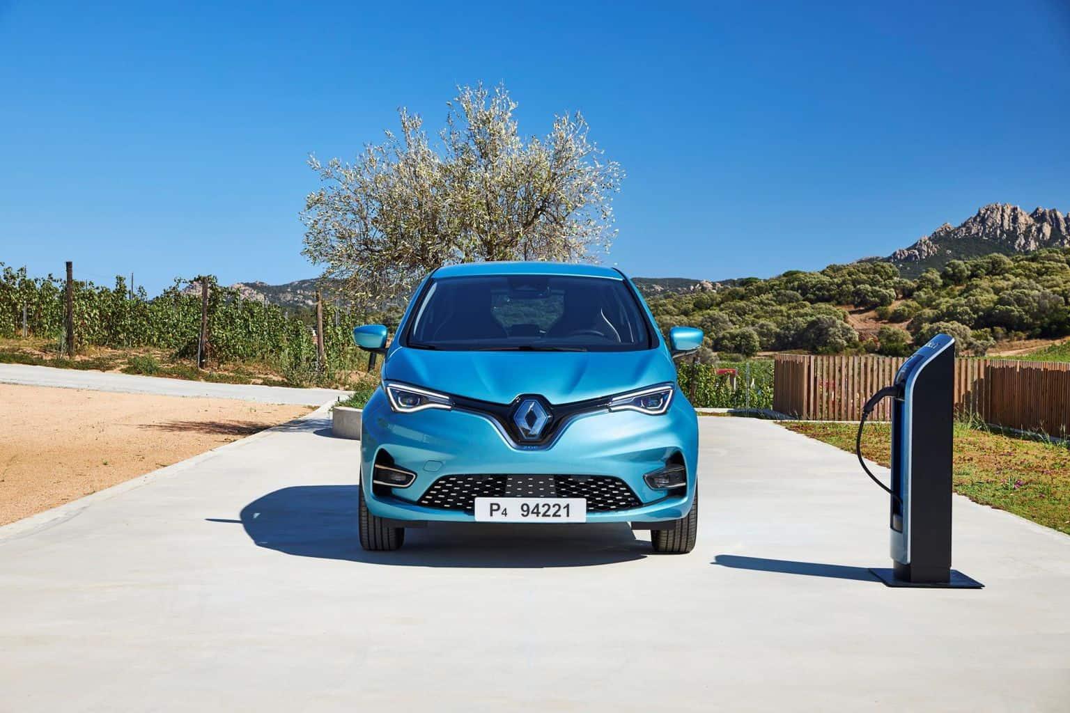 Der 6.000-Euro-Elektrobonus von Renault setzt sich zusammen aus dem aktuell gültigen Umweltbonus des Bundesamts für Wirtschaft und Ausfuhrkontrolle (BAFA) in Höhe von 2.000 Euro (unverändert) und der auf jetzt 4.000 Euro erhöhten Renault Förderung. Die Erhöhung der Renault Förderung gilt so lange, bis die erhöhte BAFA-Prämie in Kraft tritt.