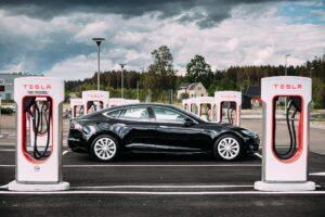 Tesla übertrifft Erwartungen in 2019