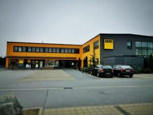 ADAC fordert transparente und faire Preise an Elektroauto-Ladesäulen