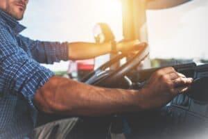 Einheitliche Normung soll Laden schwerer Nutzfahrzeuge erleichtern