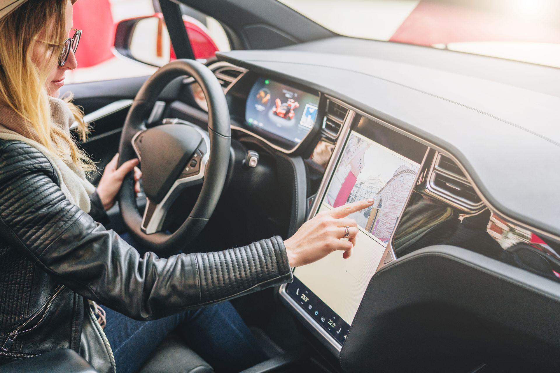 """Geänderte Garantiebedingungen - """"Schlupfloch"""" verunsichert Tesla-Fahrer"""