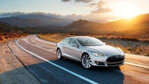 Tesla, Toyota und deutsche Hersteller trotzen rückläufigem Pkw-Markt