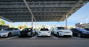 Teslas geheimes Roadrunner-Projekt: Batterien zu unter 100 Dollar pro kWh