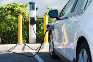 ADAC vergleicht Schnellladefähigkeit von E-Autos
