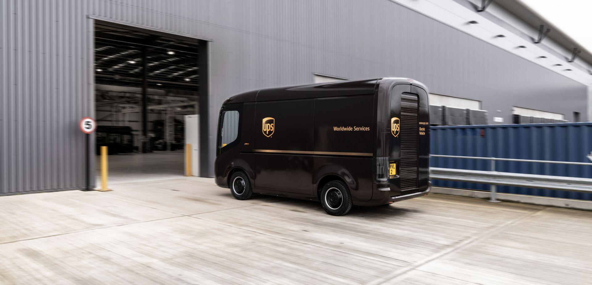 Arrival Produktionswerk für 10.000 E-Transporter steht zum Einsatz bereit