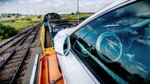 Volvo: Vom LKW auf den Zug spart massive CO2-Emissionen