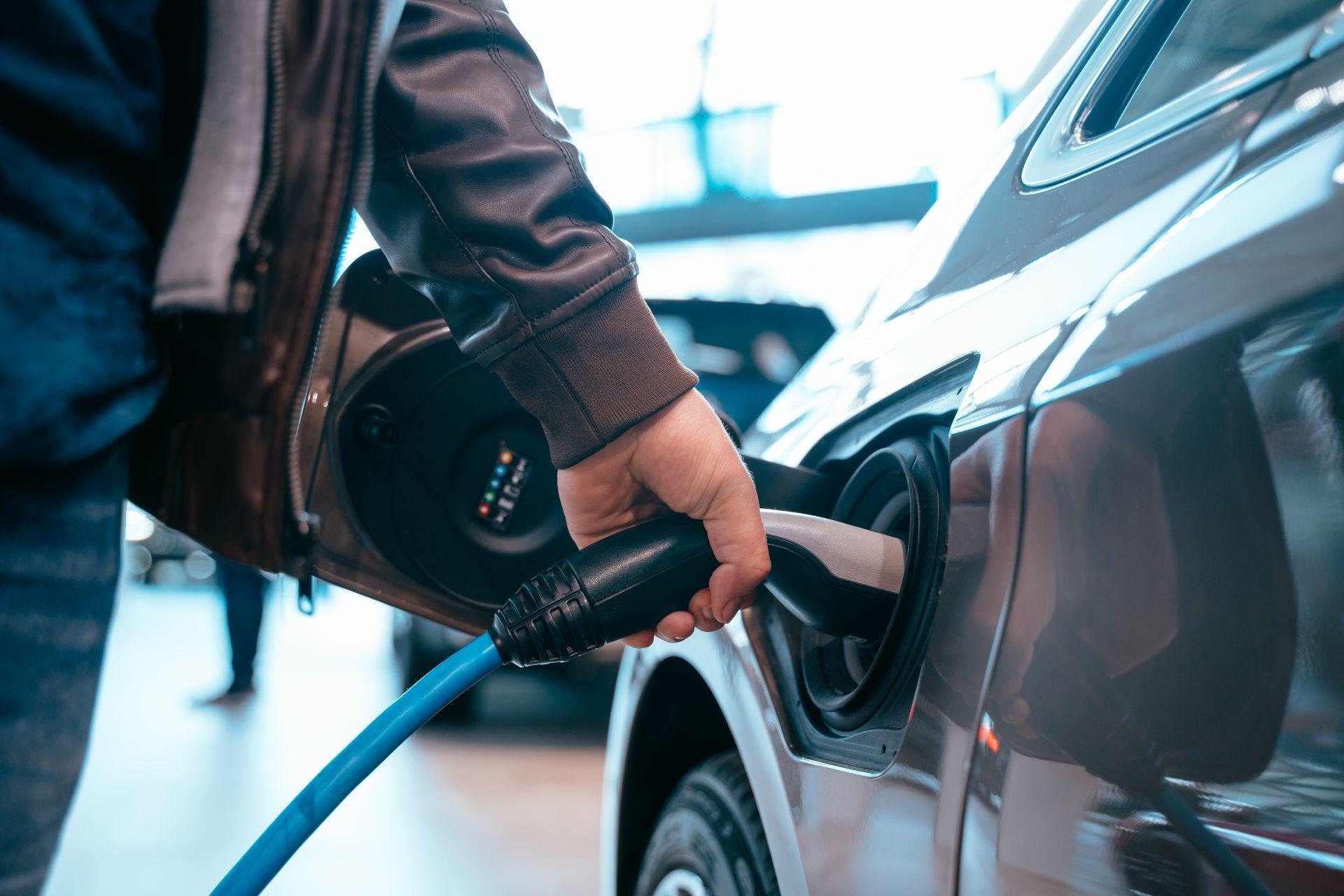 UZE Mobility nimmt Abstand von kostenloser Elektromobilität für Jedermann