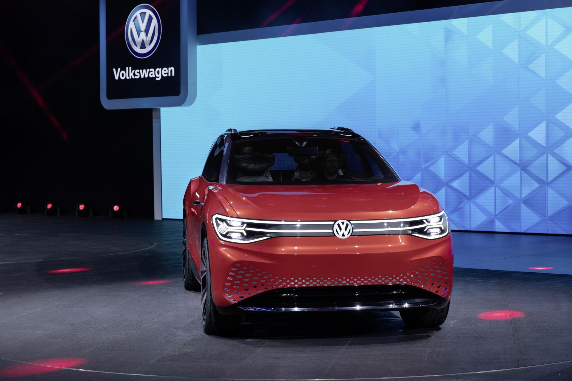 VW beginnt mit der Vorproduktion des 7-Sitzer E-SUV ID. Roomzz in China