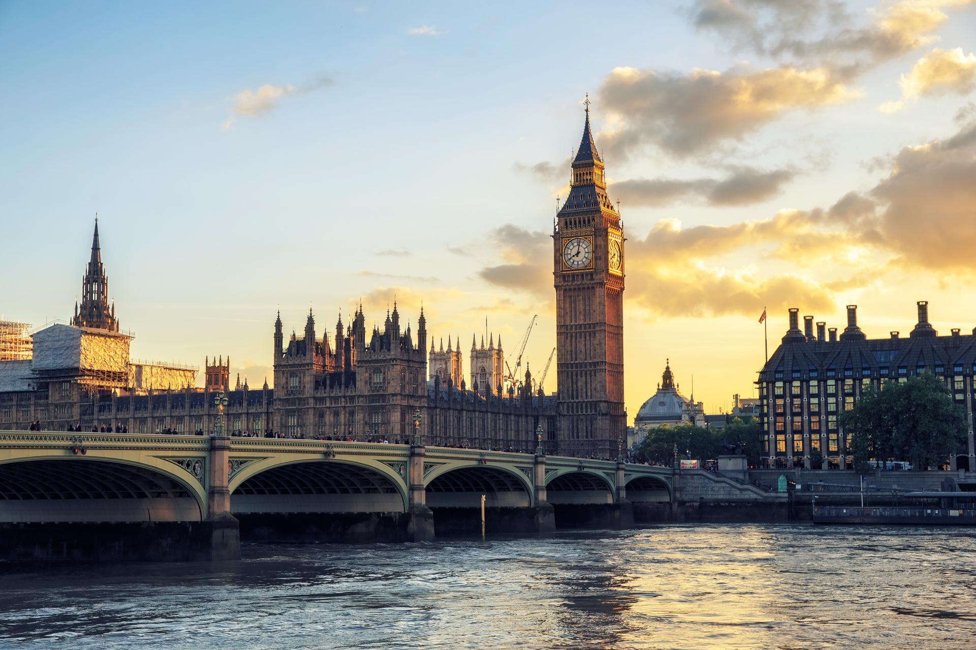 Großbritannien lockt Dienstwagenfahrer mit günstiger Elektroauto-Steuer