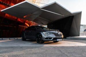 Frankreichs Finanzminister fordert Renault auf Batterien zu produzieren - trotz Krise