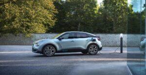 Citroën ë-C4 - Elektro-Kompaktlimousine zeigt sich erstmals