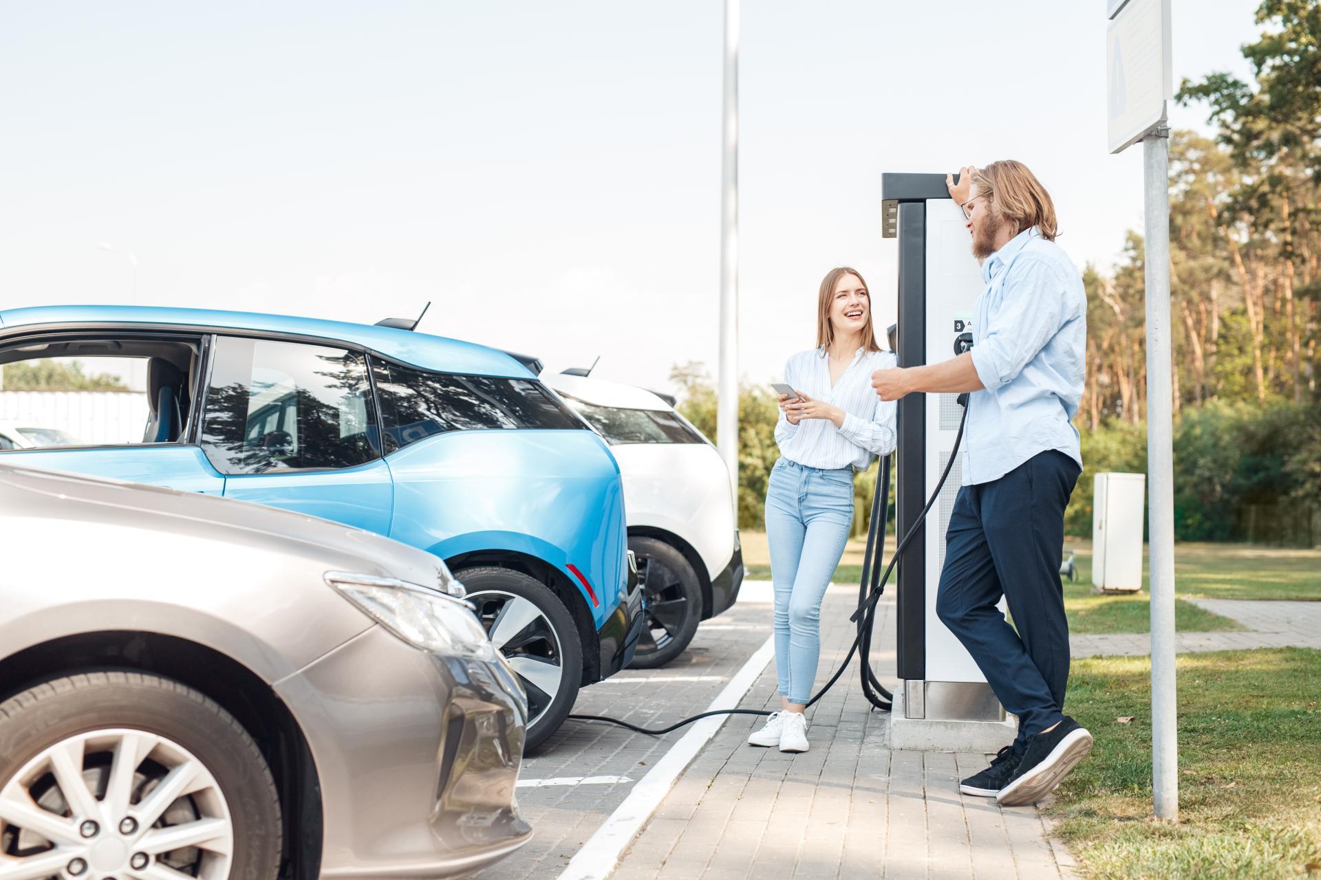 Simon Vogt, &Charge: Update zum grünen Bonusprogramm & Wandel der Mobilität