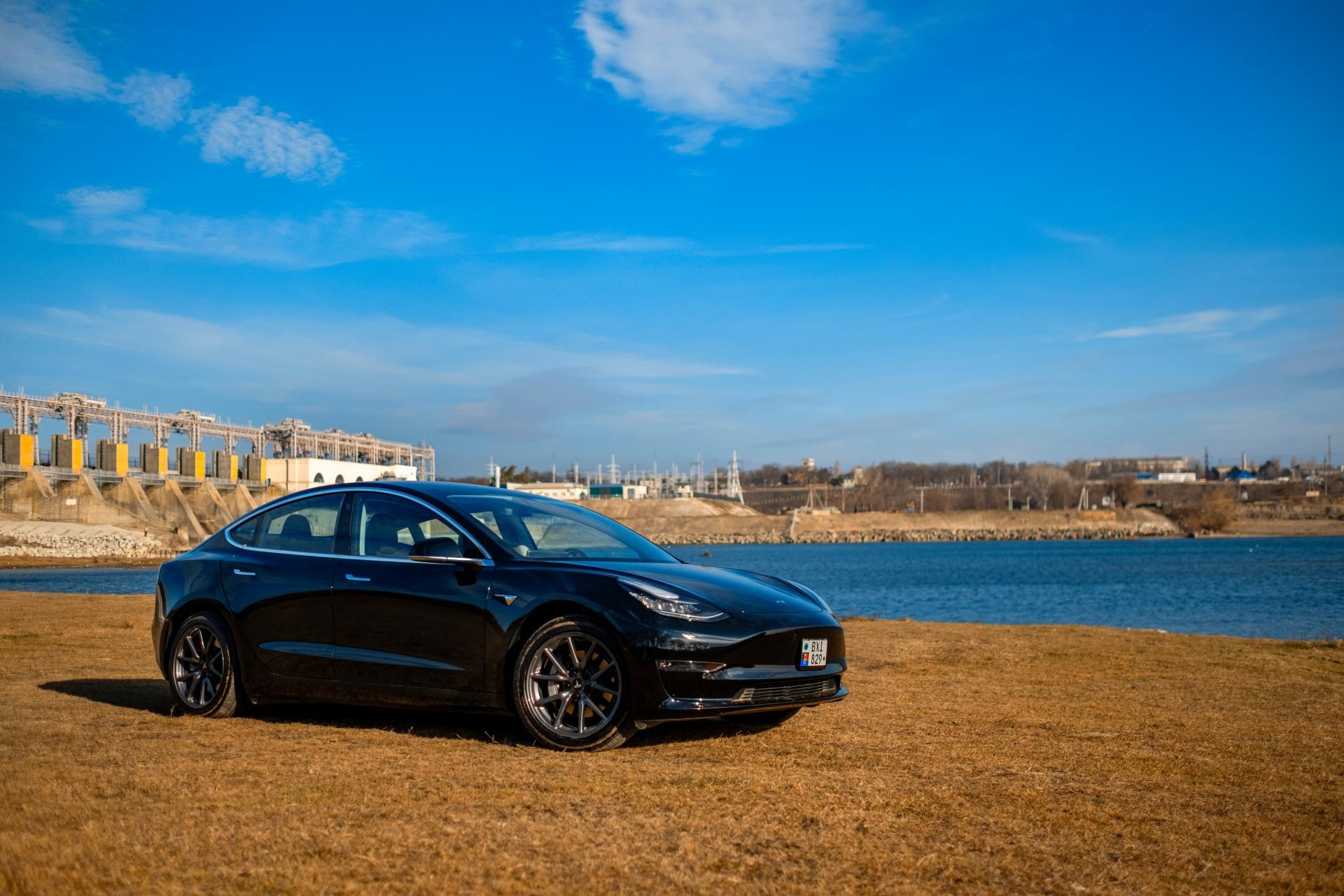 Tesla Model 3-Basismodell künftig in China mit mehr Reichweite
