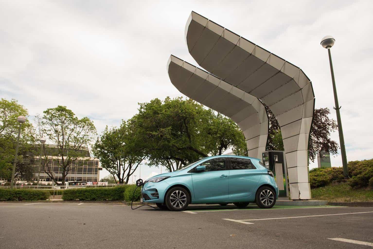 Europa E-Automarkt-Zulassungen: Tesla Model 3 und Renault ZOE fast gleichauf