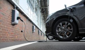 Ford errichtet 750 Ladepunkte auf Kölner Werksgelände