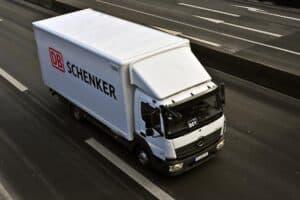 Logistikdienstleister DB Schenker geht Batterielogistik an
