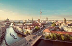 Zwei Milliarden Euro investiert Berlin für die Umstellung auf E-Busse