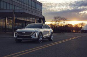 Cadillac LYRIQ: Elektro-SUV mit bis zu 480 Kilometer Reichweite zeigt sich