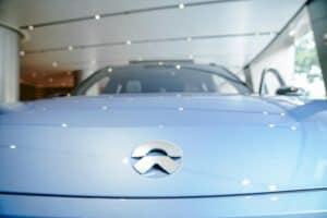 NIO stärkt den Fokus auf eigenen Autopilot, um zu Tesla aufzuholen