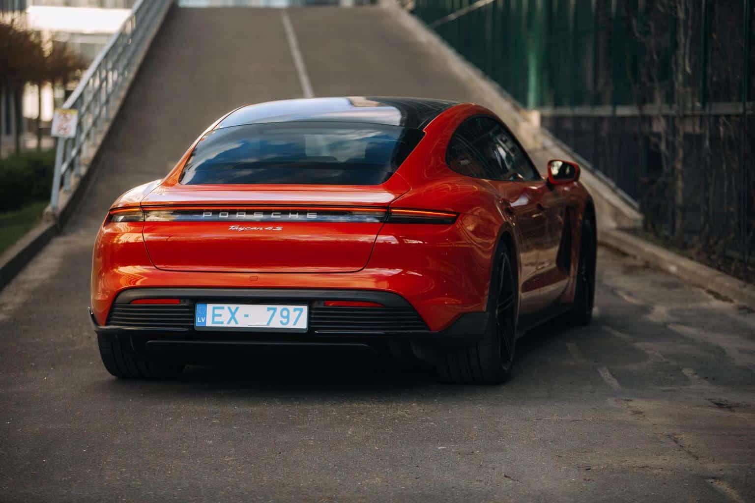 Porsche und Tesla trotzen Corona mit hohen Gewinnen pro Fahrzeug