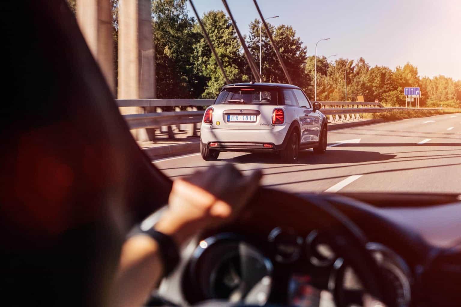 Frankreich kurbelt Absatz im Kleinwagensektor am Elektroautomarkt an