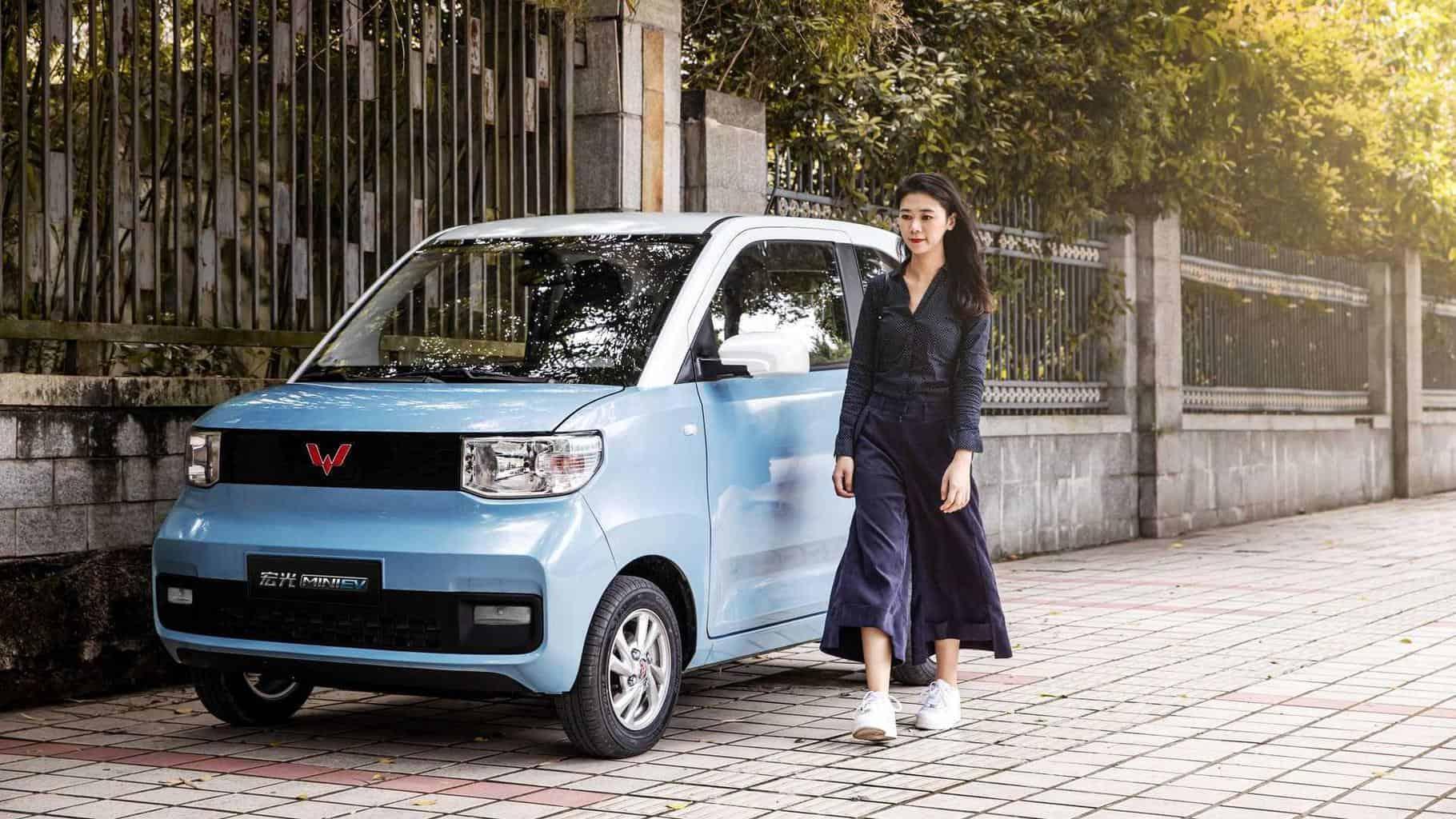GM unterstütztes 4.000-USD Mini-E-Auto kommt auf 50.000 Bestellungen