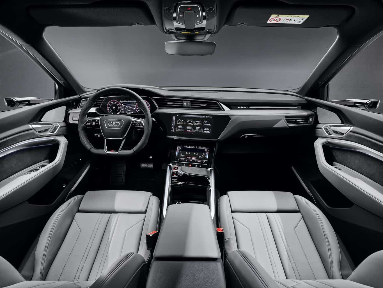 Audi e-tron S Sportback Cockpit
