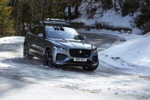 Jaguar F-PACE präsentiert sich mit neuem Design und Plug-In-Hybrid-Antrieb