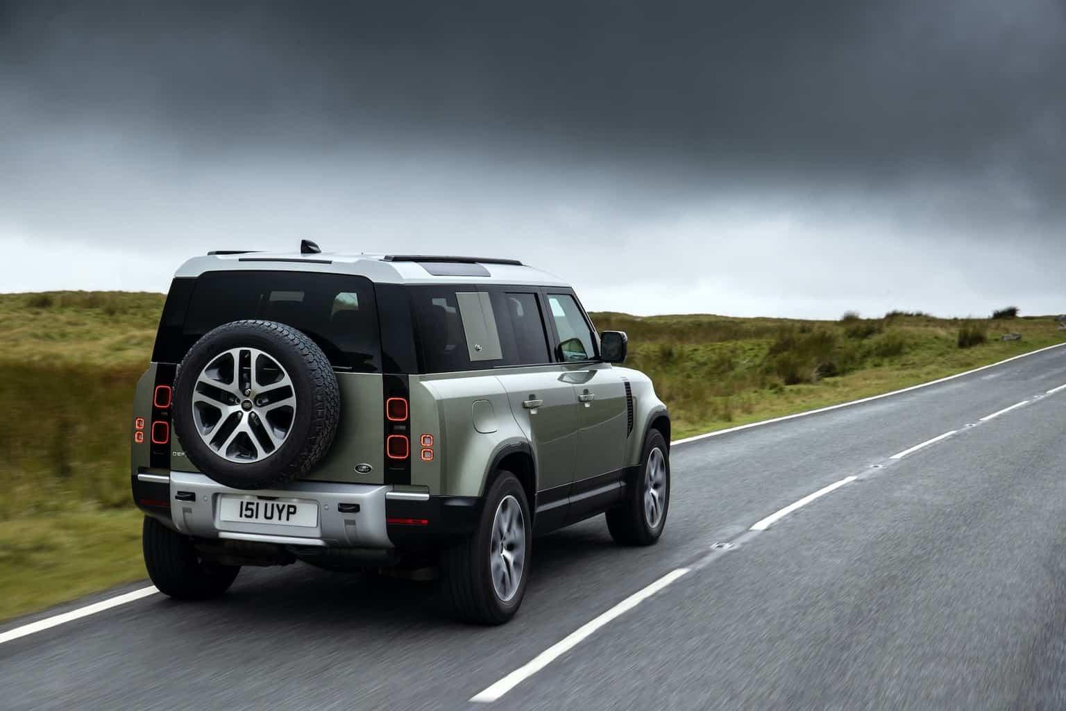 Land Rover Defender P400e Plug-in-Hybrid