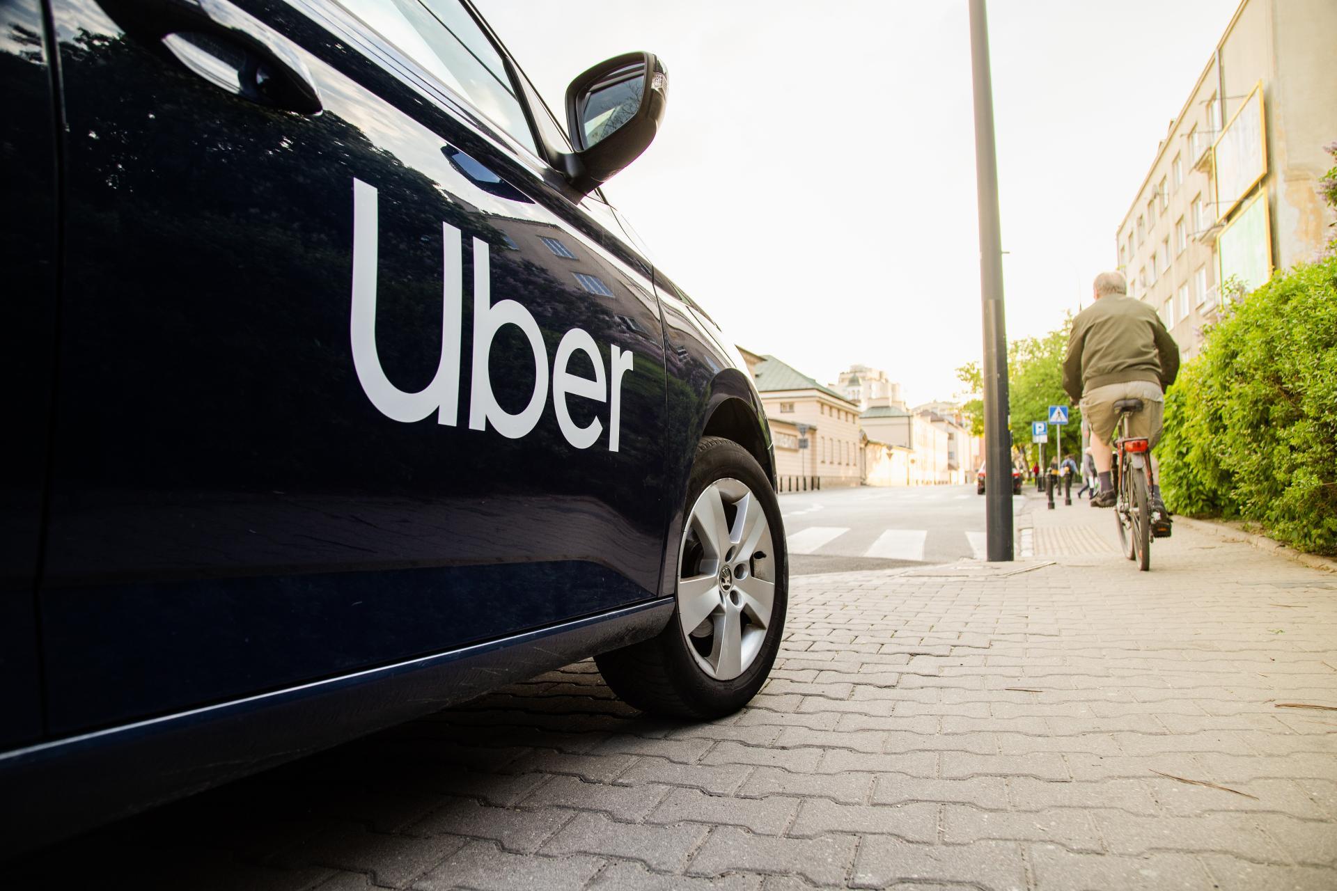 Uber: 100% E-Autos bis 2040; 800 Mio. US-Dollar Umstiegshilfe für Fahrer