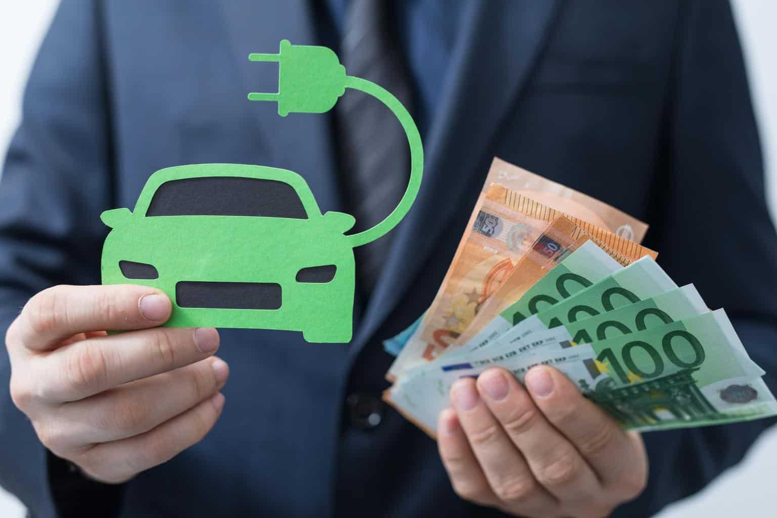 Deutsche würden im Schnitt 33.000 Euro für ein Elektroauto ausgeben